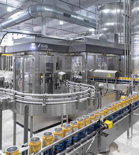KHS' starter model for cans is the Innofill Can C with a capacity of 10,000 to 40,000 cans per hour.
