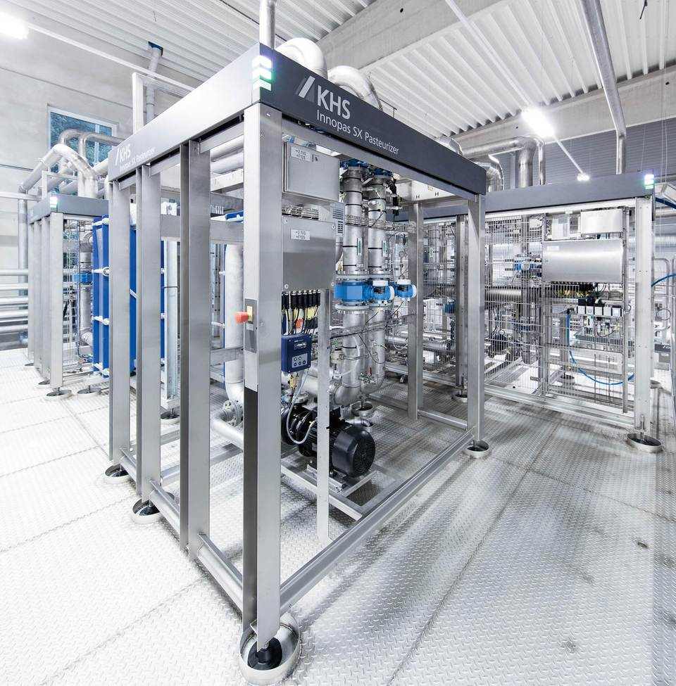 One of the technical highlights of the canning line is the new Innopas SX tunnel pasteurizer with its modular design and maximum flexibility.