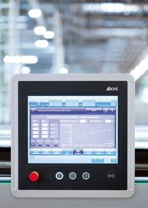Performance Control 4.0 is the name of the counting controller KHS has developed to ensure continuous, gentler operation on the entire line.