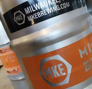 MKE also supplies the local hospitality trade with barrels processed on the KHS keg racker.